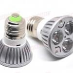 LDL006 High Power LED spot Lamp E27 3×1 W แสงพุ่ง 30 องศา แสงพุ่ง 30 องศา สีขาว หรือ ขาวอมเหลือง 85~220V ยี่ห้อ OEM รุ่น W E27-3x1W