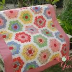 ผ้าห่มนวมสำหรับเด็กลาย หกเหลี่ยม ขนาด 90*120 ซม ทำจากผ้าคอตตอนญี่ปุ่นแท้ 100% บุด้วยใยโพลีเอสเตอร์ เหมาะสำหรับทุกสภาพอากาศ
