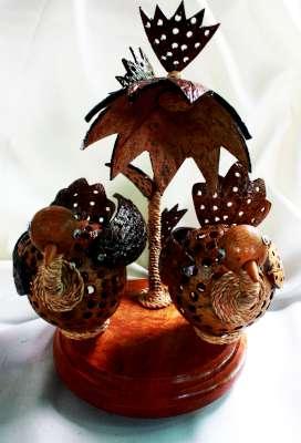 Coconut Shell Lamp (Birds) (โคมไฟกะลามะพร้าวรูปนกคู่ สองตัว)