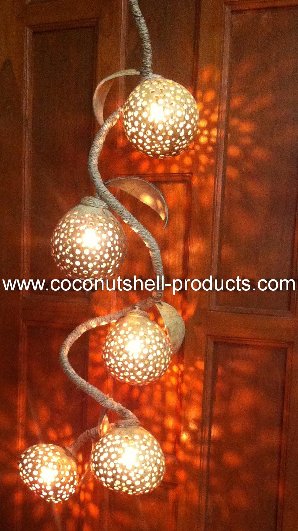 Coconut Shell Lamp (โคมไฟกะลามะพร้าวโมบายสายเกลียว)