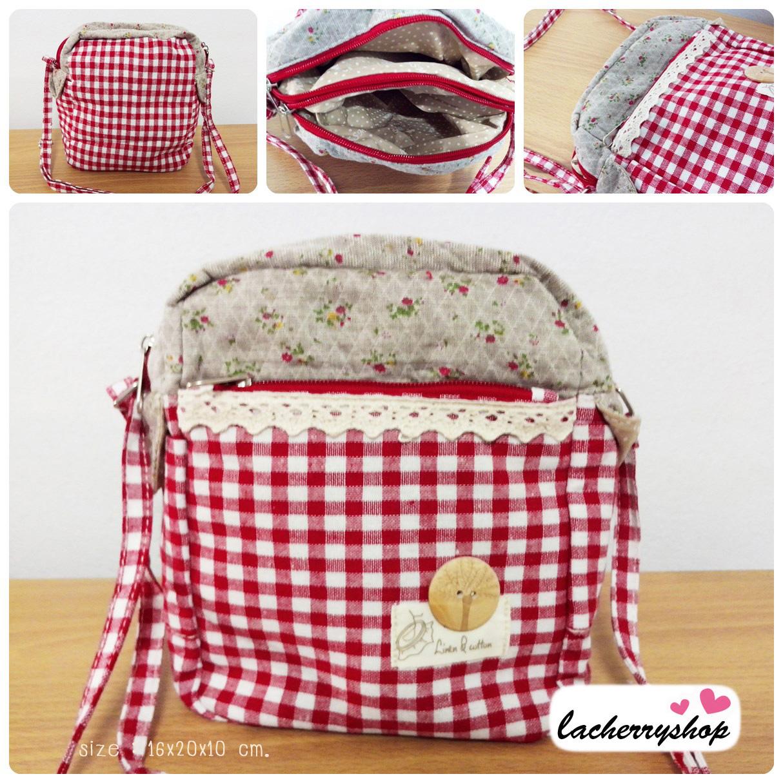 (หมดจ้า) กระเป๋าผ้า แฮนด์เมด ญี่ปุ่น สีแดง ผ้าลายสก๊อต มีสายสะพายไหล่ ขนาดกะทัดรัด น่ารักๆค่ะ (ขายปลีก 280,ขายส่ง 3 ชิ้นๆละ 230 บาท คละได้ทุกแบบ)