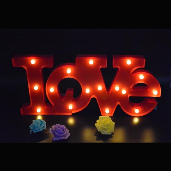 กล่องไฟ LED ตัวอักษรภาษาอังกฤษคำว่า LOVE กล่องสีแดง / ราคาต่อ 1 ชุด