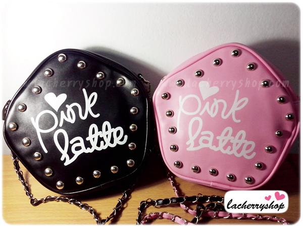 กระเป๋าแฟชั่น Pink Latte สีชมพู ทรงดาว หนัง PU แต่งหมุด สายโซ่สีเงินเก๋ๆ สามารถปรับขนาดได้ ((โปรโมชั่นส่งฟรี))