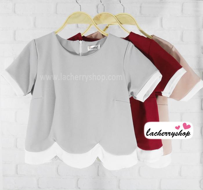 เสื้อแฟชั่นสวยๆ เสื้อผ้าฮานาโกะ สีเทา ดีไซน์เป็นหยักๆช่วงเอว แต่งขอบสีขาว แบบสวยน่ารักมากๆค่ะ