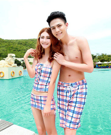PRE ชุดว่ายน้ำคู่รัก ชุดว่ายน้ำ Tankini สายสปาเก็ตตี้ ลายสก๊อตน่ารักสดใส กางเกงกระโปรง
