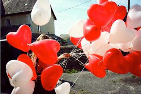 """ลูกโป่งหัวใจ เนื้อสแตนดาร์ทคละสีแดง และสีขาว ไซส์ 12 นิ้ว แพ็คละ 10 ใบ (Heart Latex Balloon - Mixed Red & White Color 12"""")"""