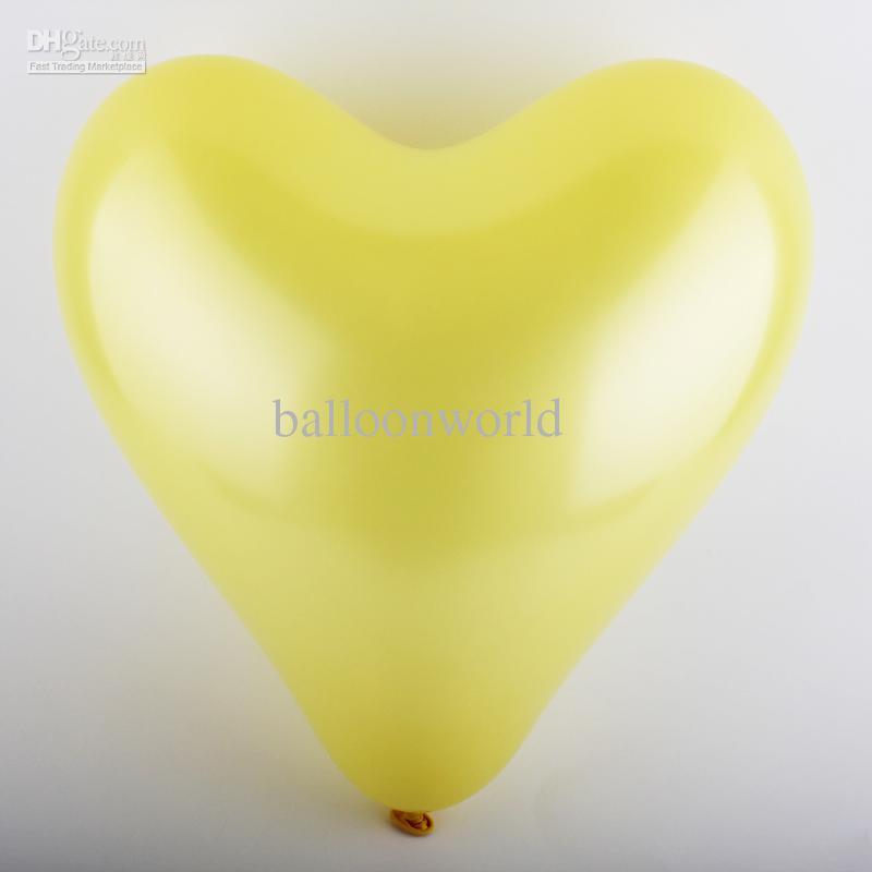 ลูกโป่งหัวใจเนื้อเมททัลลิก สีเหลือง ไซส์ 12 นิ้ว แพ็คละ 10 ใบ (Heart Shape Balloon-Metallic Yellow Color)