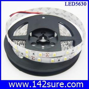 LES022 LED Strip Ribbon Flexible ยาว 5 เมตร 5630 60 LEDs/M 25-28 Lumen/chip สีขาว แสงสว่างมากกว่า chip 5050 20%(ไม่กันน้ำ)(Chip from Taiwan)
