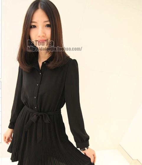 (หมดจ้า) เดรสซีฟองเกาหลีแขนยาวสีดำ คอปกสีดำกระดุมผ่าหน้า จับจีบกระโปรงพลีทสวยมากๆค่ะ