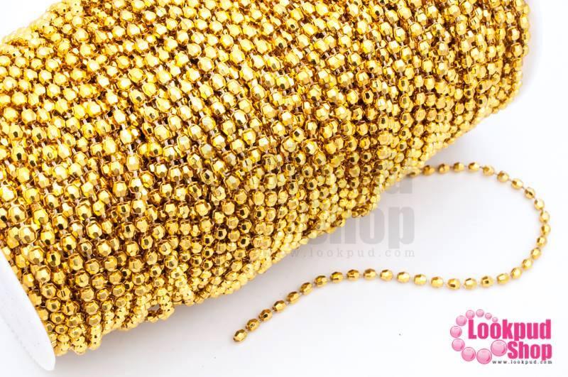 ลูกปัดพลาสติกเคลือบสีทอง เส้นยาว กลมเจียรเหลี่ยม 4มิล (1ม้วน/100หลา)