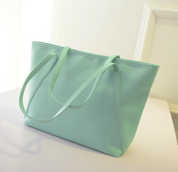 กระเป๋าแฟชั่น สีเขียวพาสเทล สะพายไหล่ มีซิปเปิดปิด เรียบหรู ((โปรโมชั่นส่งฟรี))