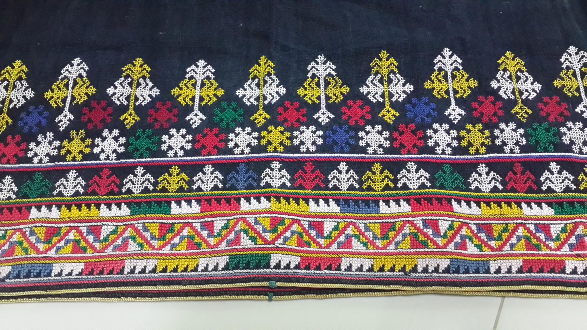 ผ้าปักชายผ้าคาดเอว1คู่