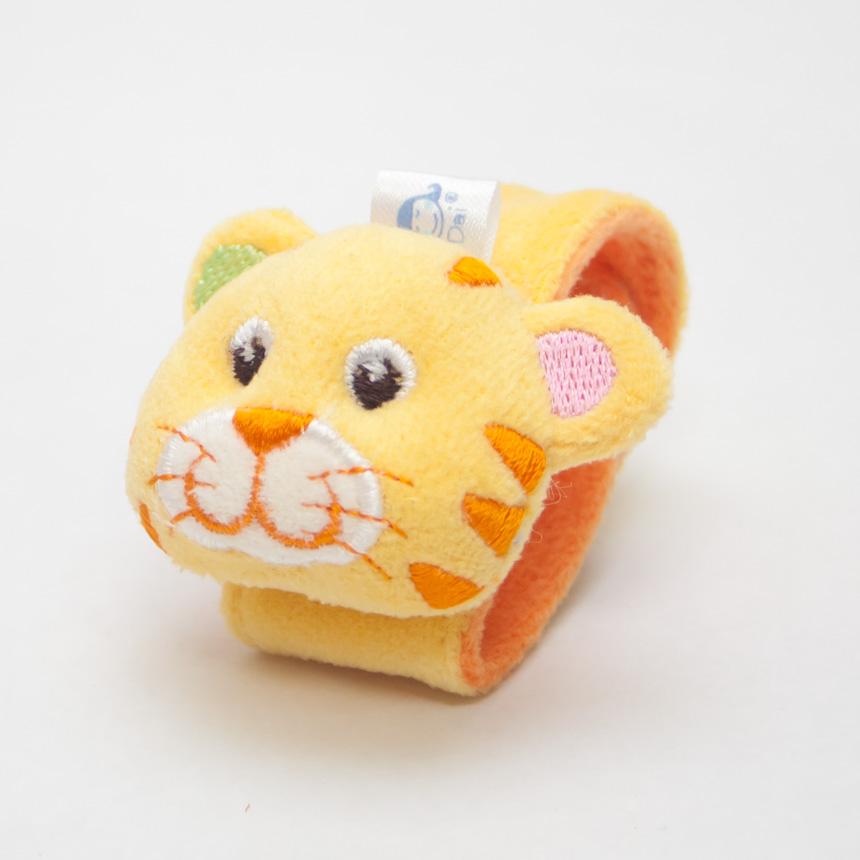 ของเล่นเสริมพัฒนาการ Wrist band สายรัดข้อมือเด็ก หน้าเสือ สีเหลือง เขย่าแล้วมีเสียงกุ๊งกิ๊ง ใช้เป็น ของเล่นเด็ก ของเล่นเสริมทักษะ (ส่งฟรี)