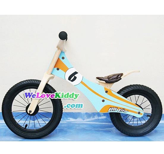 รถจักรยานเด็กเล่นทรงตัว 2 ล้อ รุ่น Speedster-retroracer สีฟ้า : แบบไม้ รหัส CV004