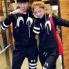 เสื้อกันหนาวคู่รักพร้อมส่ง แฟชั่นคู่รัก ชาย +หญิงเสื้อกันหนาวแบบสวม มีฮูด สีดำ แต่งสกรีนลายหัวใจ