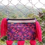 กระเป๋าปักมือ โทนสีม่วงชมพู เก่าลายสวยงามละอียด