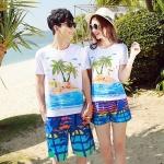 เสื้อคู่รัก ชุดคู่รักเที่ยวทะเลชาย +หญิง เสื้อยืดสีขาวลายคนติดเกาะ กางเกงขาสั้นลายต้นมะพร้าวโทนสีส้มฟ้า +พร้อมส่ง+