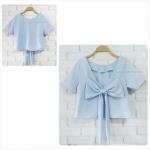 เสื้อแฟชั่นผ้าฮานาโกะ เสื้อครอปวีหลัง(สีฟ้า) แต่งโบว์เก๋ๆ แบบสวยน่ารักมากๆเนื้อผ้าฮานาโกะคุณภาพดี