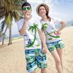 เสื้อคู่รัก ชุดคู่รักเที่ยวทะเลชาย +หญิง เสื้อยืดสีขาวคนนั่งใต้ต้นมะพร้าว กางเกงขาสั้นสีเขียว +พร้อมส่ง+