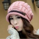 หมวกไหมพรมแฟชั่นเกาหลีพร้อมส่ง ทรงดีไซต์เก๋ แต่งเปียคาดด้านหน้า สีชมพู
