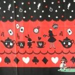 ผ้าคอตตอนลินินญี่ปุ่น ลายอลิส (Alice in Wonderland) โทนสีแดงดำ น่ารักสดใส