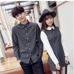 ชุดคู่รัก เสื้อคู่รักเกาหลี เสื้อผ้าแฟชั่น ชายเสื้อเชิ้ตแขนยาวโทนดำขาว + หญิง เดรสแขนยาวลายสก๊อต โทนดำขาว +พร้อมส่ง+