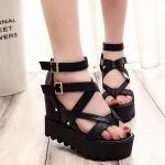 รองเท้าหนังสีดำสไตล์เกาหลี