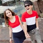 +พร้อมส่ง+ เสื้อคู่รักเกาหลี แฟชั่นคู่รัก ชายเสื้อยืดแขนสั้น + หญิงเดรสแขนกุด ลายแถบแดงขาวกรม