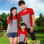 ชุดครอบครัว เซตครอบครัว พ่อแม่ลูก ชายเสื้อคอปก+ หญิงเสื้อคอปก+ เด็กเสื้อคอปก สีแดง แต่งลายขาวดำ +พร้อมส่ง+