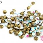 เพชรตูดแหลม สีขาวเหลือบรุ้ง 5มิล #20 (100เม็ด)