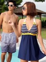 พร้อมส่ง ชุดว่ายน้ำคู่รัก ชุดว่ายน้ำวันพีซทรงชุดแซก บราลายขวาง กระโปรงสีกรมท่า ตัดสีสันด้วยโบว์สีเหลืองสวยๆ