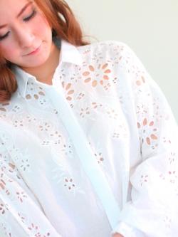Carvfy White Shirt