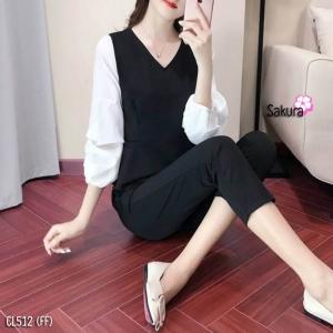 เสื้อผ้าแฟชั่นเกาหลีพร้อมส่ง - ชุดเซ็ตได้ 2 ชิ้น เสื้อคอวีแขนพอง+กางเกงสีดำ
