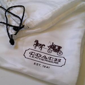 กระเป๋า coach ของแท้ ต้องมีถุงกันฝุ่น ด้วย จริงหรือ