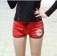 ชุดว่ายน้ำแขนยาว เสื้อสีดำ กางเกงขาสั้นสีแดงสวยๆ thumbnail 3