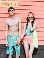 PRE ชุดว่ายน้ำคู่รัก บราระบาย หลังสายผูกไขว้สวยๆ บิกินี่เอว medium ด้านข้างเว้า ผูกเก๋ๆ กางเกงชายเข้าชุด