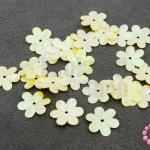 เลื่อมปัก ดอกไม้ สีเหลืองรุ้ง 14มิล(5กรัม)