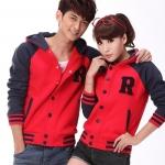 เสื้อกันหนาวคู่รักพร้อมส่ง  แฟชั่นคู่รัก  ชาย  +หญิงเสื้อกันหนาวคู่รัก แบบติดกระดุม มีฮูด สีแดงแขนสีกรม