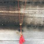 สอนร้อยลูกปัด ทำขายสร้างรายได้ดี|EP.7วิธีทำสร้อยคอโซ่สีแดงแต่งพู่ขนนก