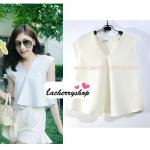 เสื้อแฟชั่นผ้าฮานาโกะ เสื้อทำงาน สีขาว คอวี ชายเสื้อพริ้ว สวยหวาน สินค้าคุณภาพ ราคาไม่แพง