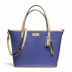 กระเป๋า COACH PARK METRO LEATHER SMALL TOTE PORCELAIN BLUE F25663
