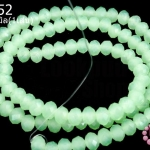 คริสตัลจีน ทรงซาลาเปา สีเขียวอ่อนขุ่น 4มิล(1เส้น)