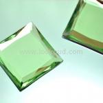 เพชรแต่ง ทรงสี่เหลี่ยม สีเขียว แบบไม่มีรู ขนาด 39x39x5 มิล 1 อัน