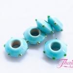 ลูกปัดแก้วมูราโน่ ทรงจานบิน สีฟ้าขุ่น ลายจุดแต้มนูนสีเขียว 15X6 มิล(1ชิ้น)