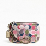  COACH  GALLERY SCARF PRINT SMALL WRISTLET F47799