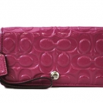  COACH  EMBOSSED PATENT DEMI CLUTCH F46311
