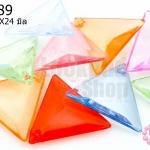 ลูกปัดพลาสติก สีใส สามเหลี่ยม คละสี 21X24มิล(1ขีด/110เม็ด)