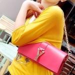 กระเป๋าแฟชั่นสไตส์เกาหลี รุ่นกระเป๋าถือสะพายข้าง ดีไซต์เก๋  ด้วยตัวY สีชมพู พร้อมส่งค่ะ