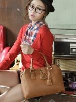 กระเป๋า PG美人 หนัง PU สีน้ำตาล แต่งโลโก้สีทองยี่ห้อ PGเก๋ๆ