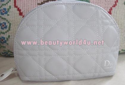 กระเป๋า Dior ทรงพัด หนังสีเทา